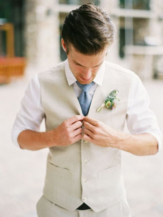 Beach-Wedding-Groom-Attire-Ideas