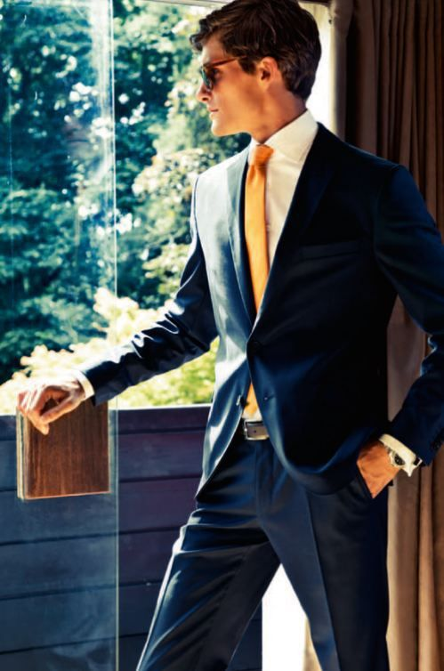 8 Navy Suit and Gold Tie Combos