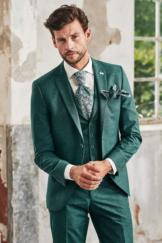 Wearing Green to a wedding